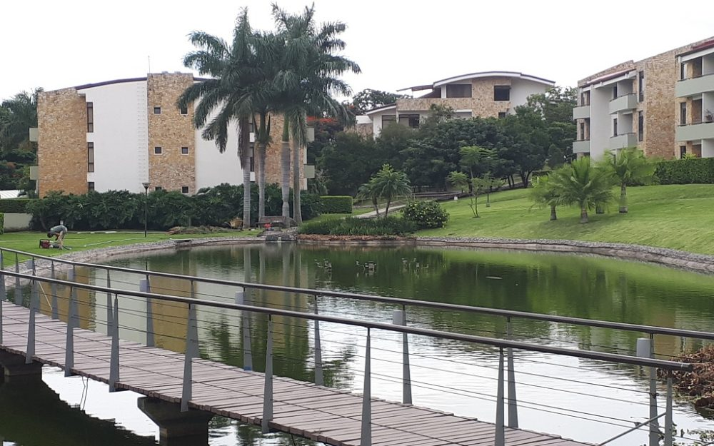 SE ALQUILA APARTAMENTO AMUEBLADO EN RIO ORO DE SANTA ANA (FM-109)