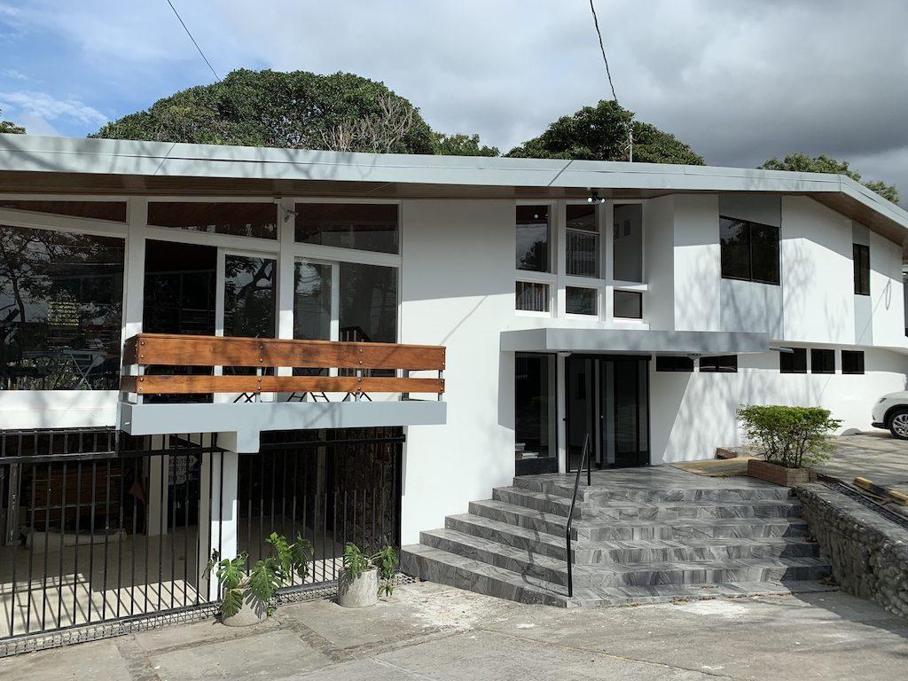 ALQUILER DE ECO-OFICINAS HOUSE CENTER EN SAN RAFAEL DE ESCAZU 16 M2