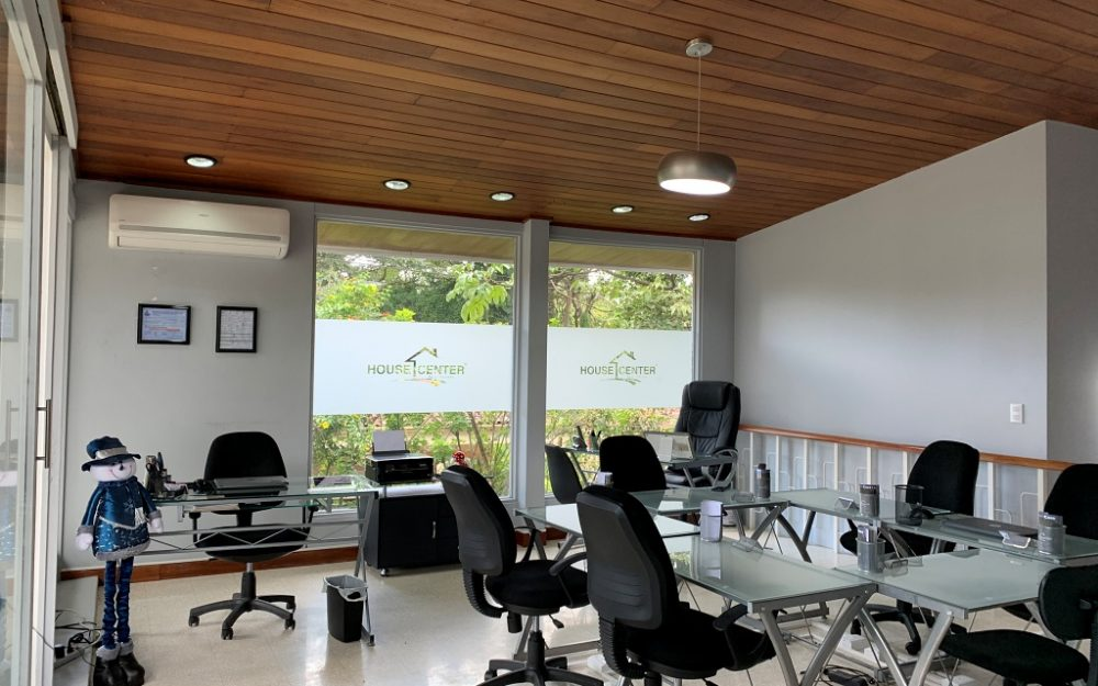 ALQUILER DE ECO-OFICINAS HOUSE CENTER EN SAN RAFAEL DE ESCAZU 40 M2